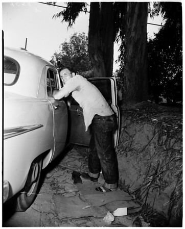 Attempt rapist shot (Lindley Avenue and Nordhoff Street, Northridge), 1952.