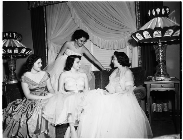 Saint Nicholas Junior League Girls planning party at the home of Mrs. Fred Andrews, 626 North Las Palmas, 1952