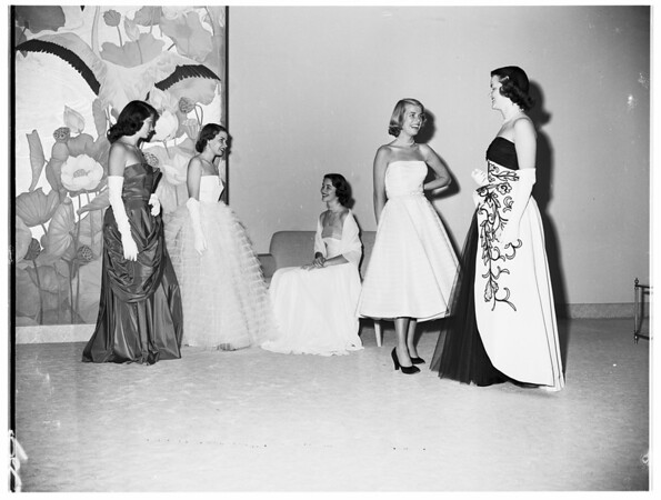 Kappa Kappa Gamma fashion show at Magnins,1952