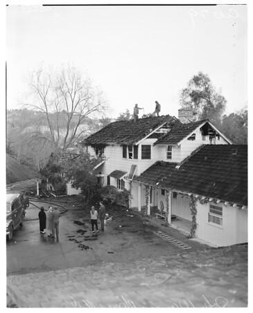 Fire at John Wayne's home, 1958