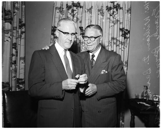 Examiner man retires, 1956