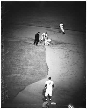 Baseball -- Dodgers versus Phillies, 1958