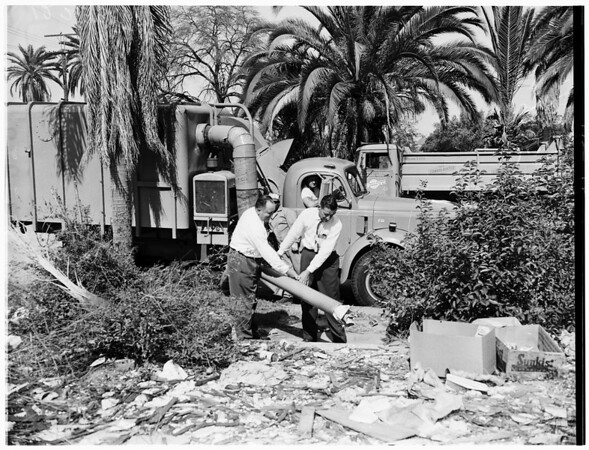 City vacuum cleaner (street cleaning department), 1957