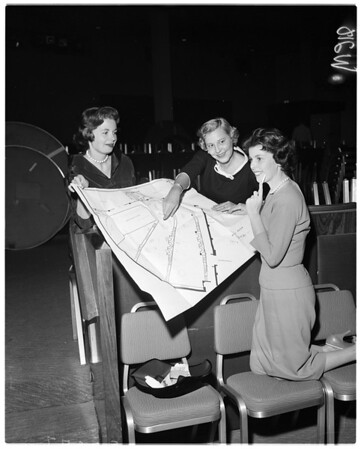 Friday morining club juniors plan Fashion Luncheon, 1958