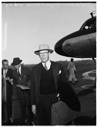 A.E.C. Commissioner arrives, 1958