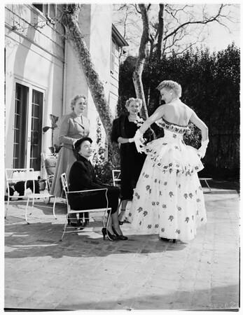 Zeta Tau Alpha fashion show, 1952