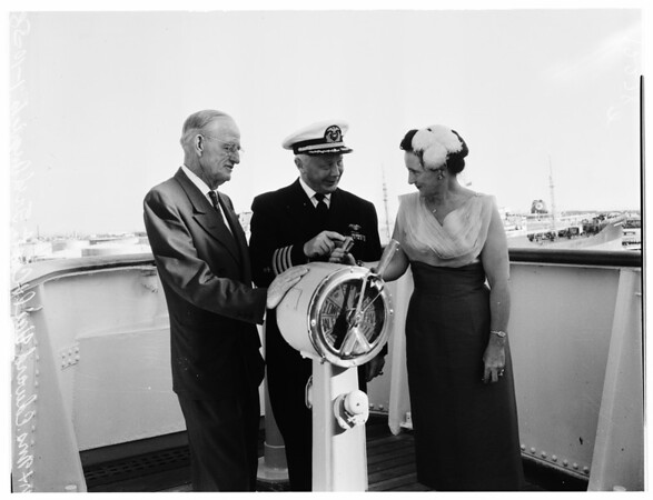 On 14,000 mile around Pacific voyage, 1958