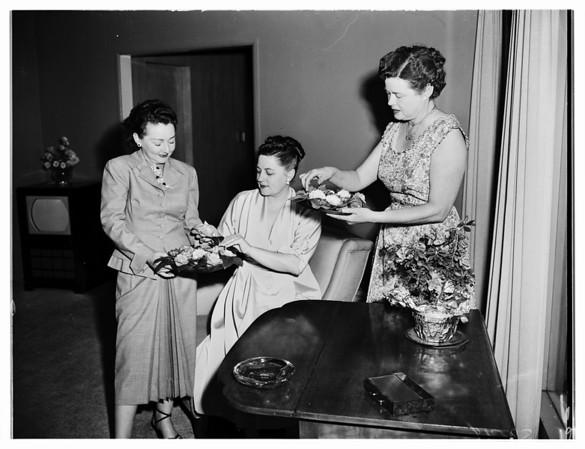 Assistance League ...Noontimes plan jewel tea, 1952