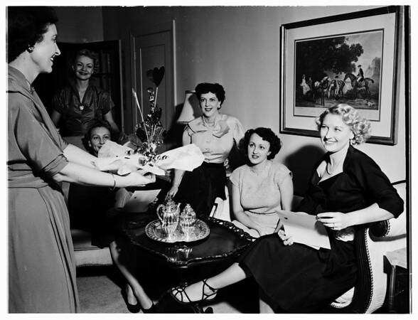 Methodist Hospital League planning benefit, 1952