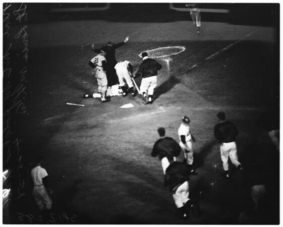 Baseball -- Dodgers versus Cardinals, 1958