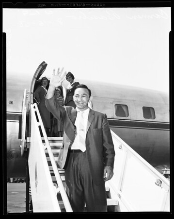 Carmen Basilio arrival, 1958