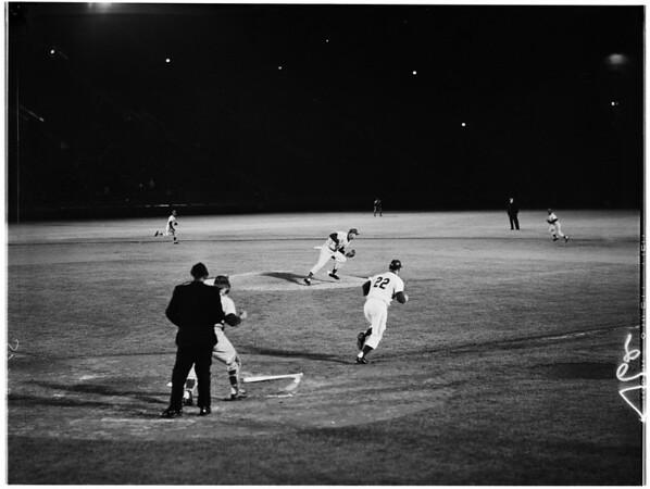 Baseball -- Los Angeles Dodgers versus Philadelphia, 1961