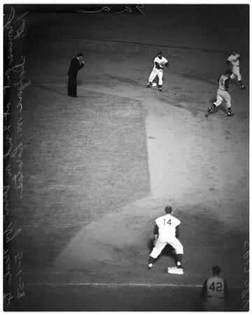 Baseball -- Dodgers versus Pirates, 1958