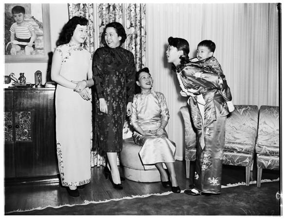 World Friendship Club Chinese fashion show, 1952