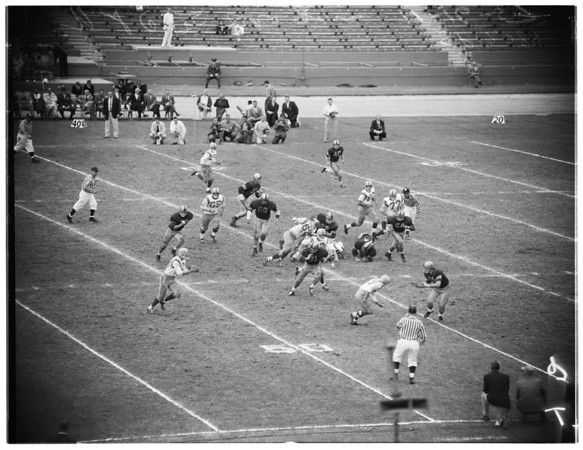 Football -- University of Southern California versus Oregon, 1957