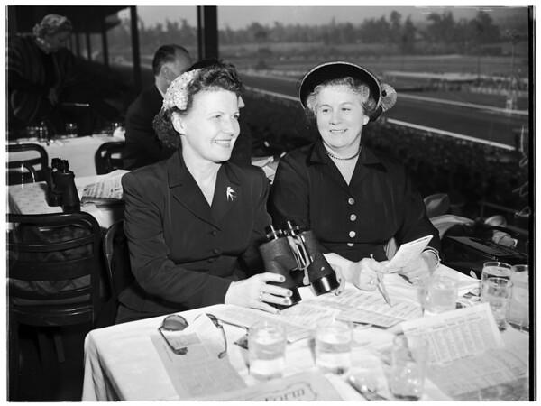 Santa Anita Race Tract, 1952