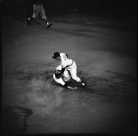 Baseball... Los Angeles Dodgers versus Chicago, 1961