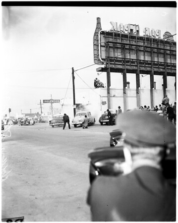 Robbery attempt in cafe in Inglewood, 1957