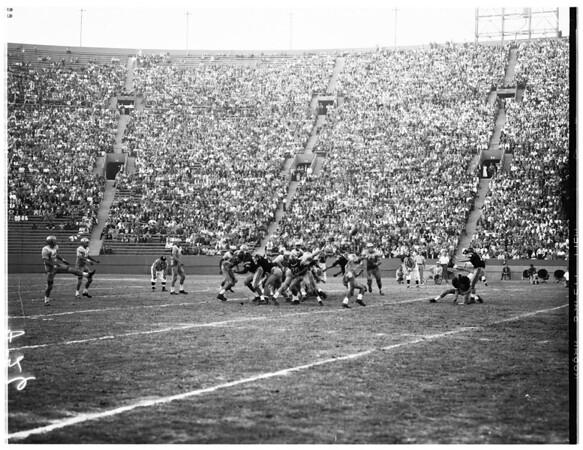 Football -- University of Southern California versus University of California Los Angeles football, 1958