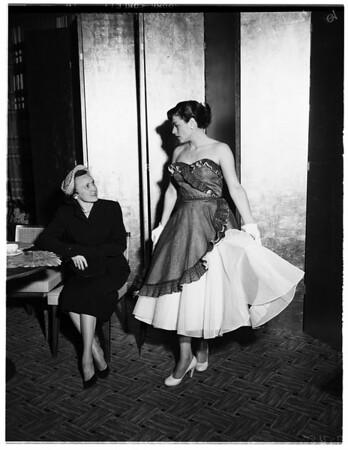 Fashion Show tea at Bullocks Westwood for Delta Zetas, 1952