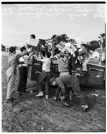 Litter cleanup, 1957