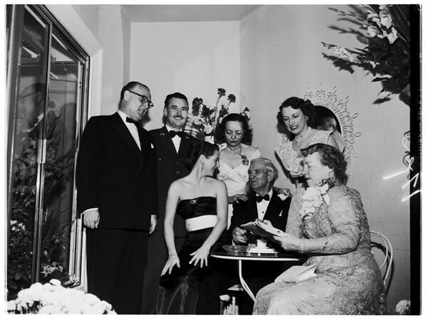 Mr. and Mrs. Thomas Somermeier, Senior Golden Wedding anniversary, 1952