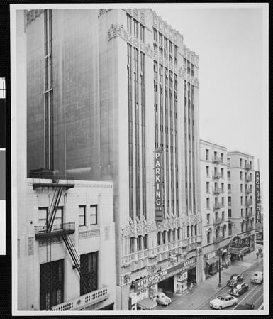 Metropolitan Garage building, 1952