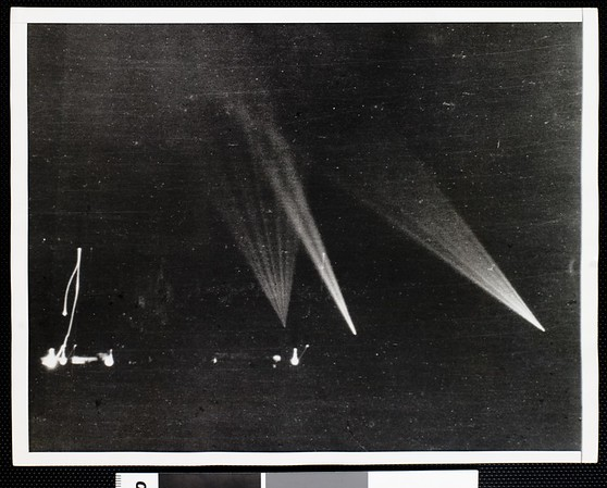 """Searchlights seek """"object"""" over Los Angeles, 1942"""