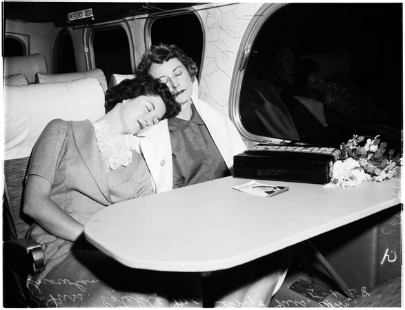 Mrs. William F. Knowland (Bus trip campaigning for husband), 1958