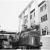 Tearing down Westmoore Hotel at 1000 West 7th Street, 1957