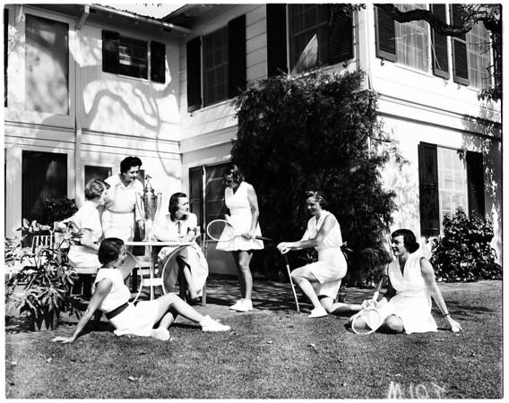 Pasadena Children's Hospital Guild women, 1958