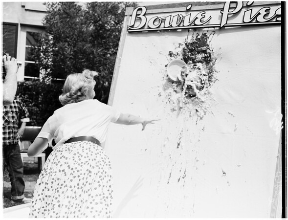 University of Southern California pie contest, 1955