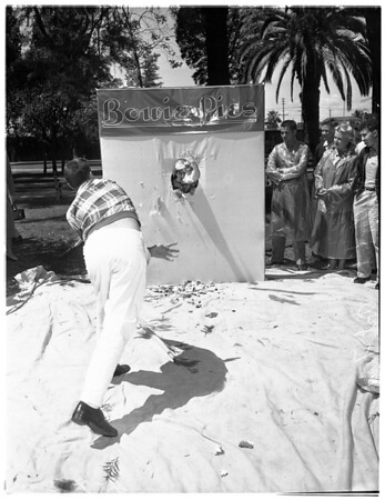 University of Southern California pie tossing auction (Trojan Chest Drive), 1953
