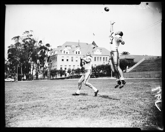 Football -- Shrine South team, 1958