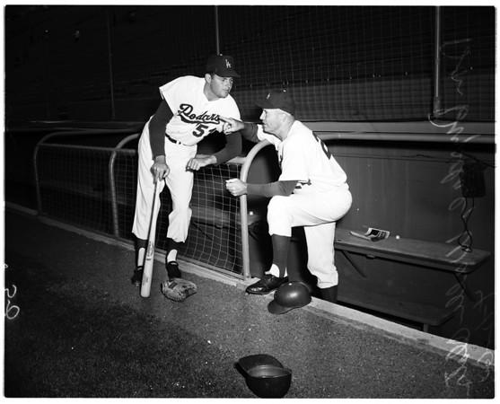 Baseball, Los Angeles Dodgers versus Chicago Cubs, 1960