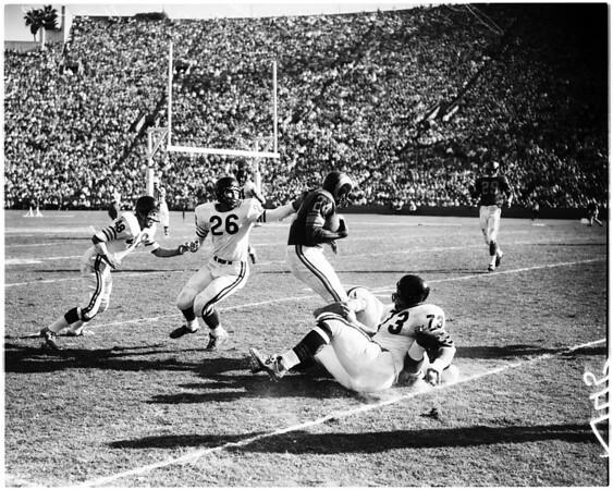 Los Angeles Rams versus Chicago Bears football, 1958