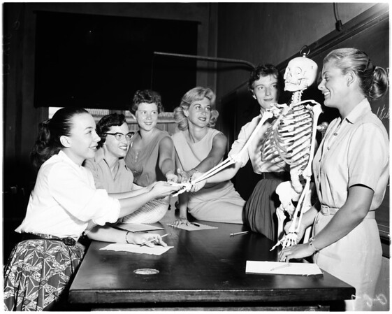 Girl medical students (University of Southern California), 1958