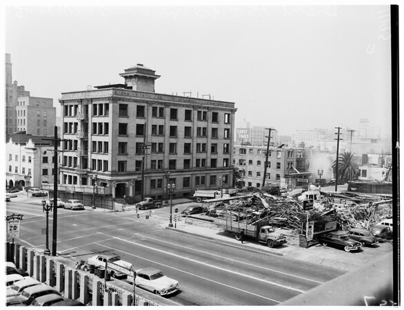 General view of 4th Street and Grand Avenue, 1954