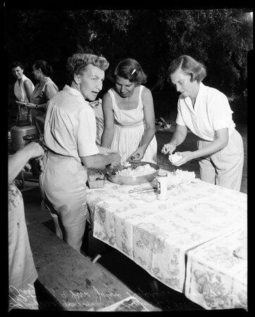 Scout mother's camp out (Altadena), 1958