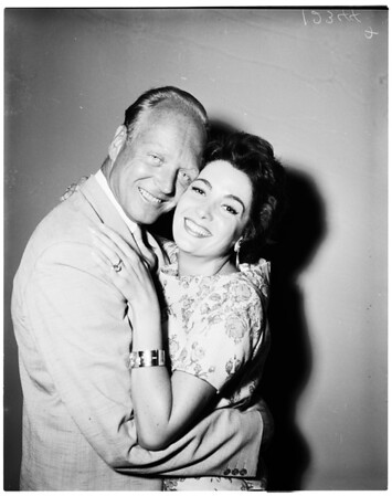 Linda Cristal announced her engagement, 1958