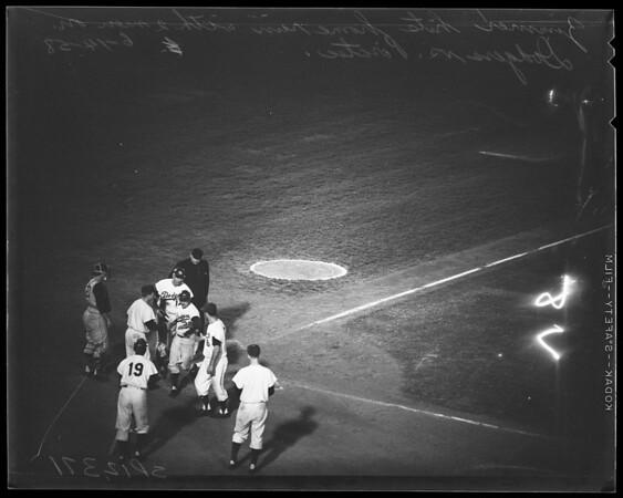 Baseball Dodgers versus Pirates, 1958.