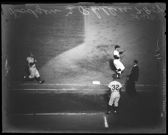 Baseball Dodgers versus Phillies, 1958.