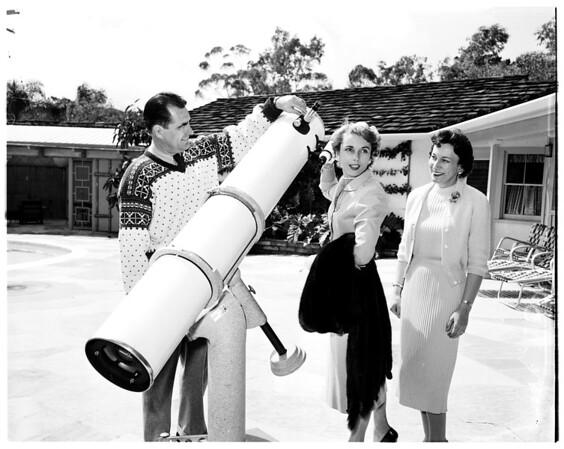 Peninsula home tour, 1958