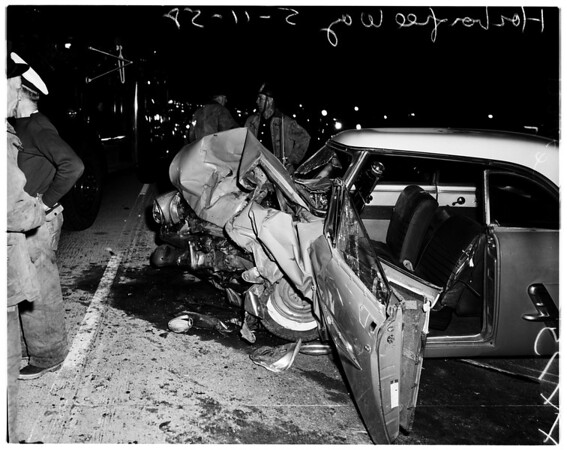 Head-on collision on in-bound freeway, 1958