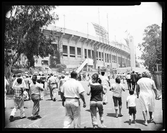 Baseball -- Dodger fans going into coliseum, 1958.