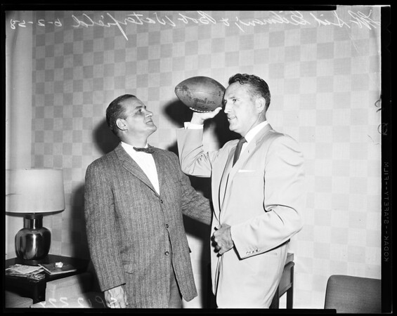 Football -- Rams new backfield coach, 1958