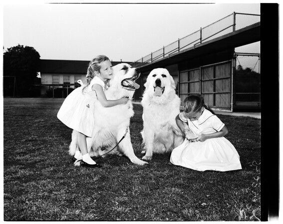 Pasadena Poly School kids and pets ready for pet show, 1958