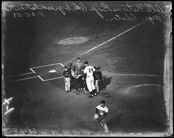 Baseball Dodgers versus Cincinnati, 1958.