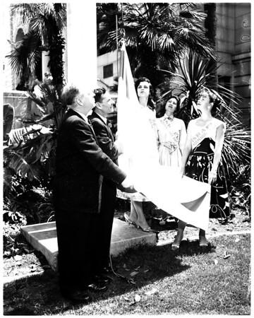 Israel flag raising at City Hall, 1958