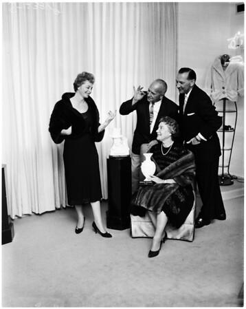 Gateways Associates planning fashion show, 1958